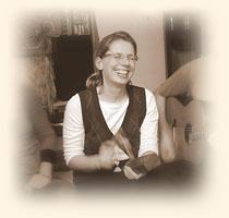 Birgit klopft auf Holz