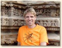 Hartwin vor dem SURYA-Tempel in Khajuraho/Indien
